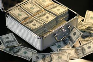 soldi valigia