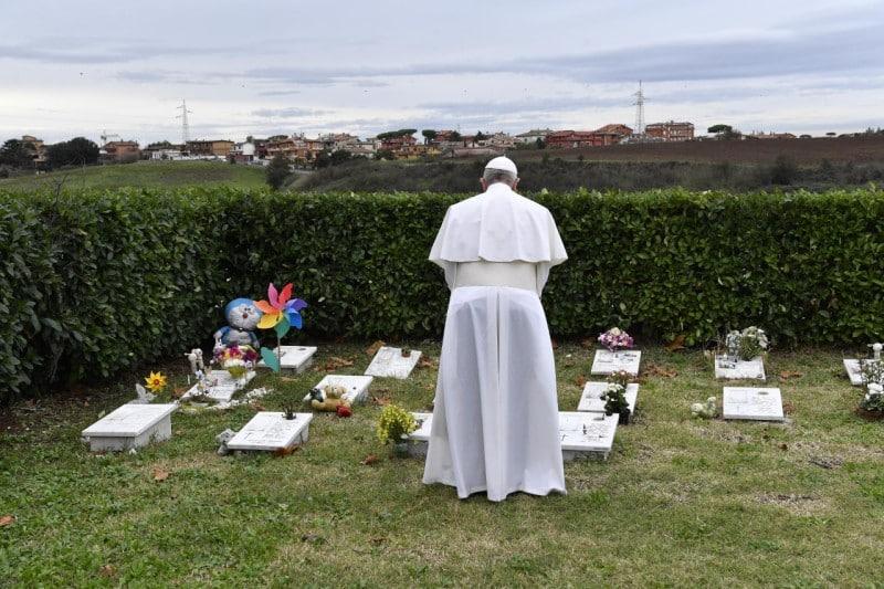 Papa Francesco cimitero